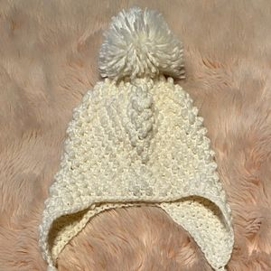 Accessories - Off White knitted hat with pompom
